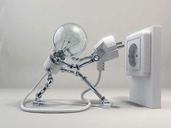 elettricista Olgiata a lavoro